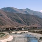 山下的村寨